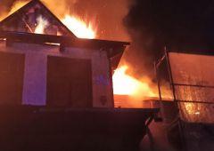 Nocny pożar zabytkowej Willi w Suchedniowie przy ul. Bodzentyńskiej