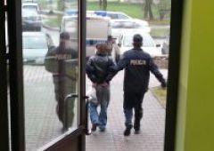 Poszukiwany listem gończym w rękach policjantów