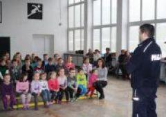 Bezpieczeństwo dzieci podczas ferii-prelekcje policjantów