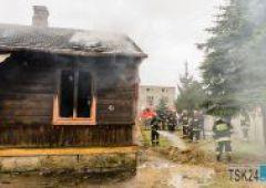 Pożar budynku mieszkalnego przy ulicy Iłżeckiej - trzy osoby trafiły do szpitala