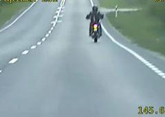 Pościg za motocyklistą, odpowie za trzy przestępstwa