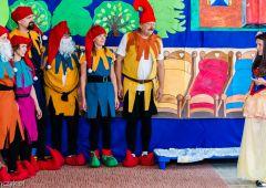 Królewna Śnieżka i 7 krasnoludków w przedszkolu nr 6