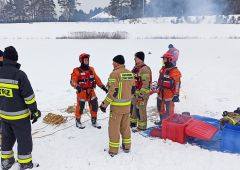 Doskonalenie zawodowe skarżyskich strażaków z zakresu działań na zamarzniętych akwenach wodnych