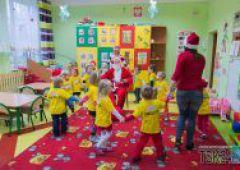 Święty Mikołaj u dzieciaków z przedszkola Baby World