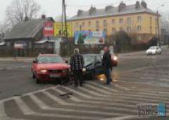 Kolizja na skrzyżowaniu Piłsudskiego z Niepodległości