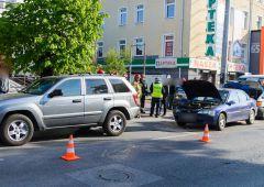 Trzy pojazdy uszkodzone w wyniku kolizji na ulicy 1 Maja