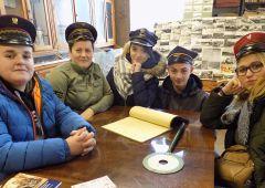 Uczestnicy skarżyskiego hufca w muzeum kolejnictwa