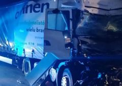 Wypadek dwóch ciężarówek na nowo oddanej części obwodnicy w Skarżysku-Kamiennej
