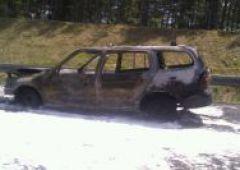 Pożar samochodu w okolicach Zalezianki