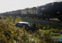 Zderzenie pociągu towarowego z samochodem osobowym