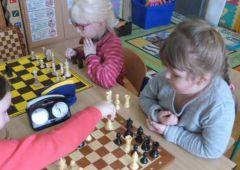 Uczyli się gry w szachy