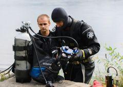 Poszukiwali zaginionego w zalewie w Mostkach