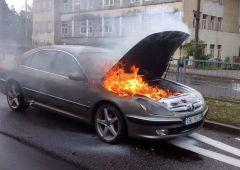 Pożar samochodu na Legionów