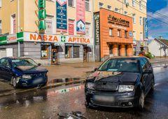Zderzenie dwóch samochodów osobowych na 1 Maja