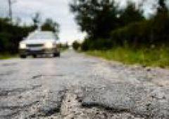Fatalny stan drogi w miejscowości Występa